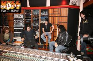 Kiss Estudio-New Album